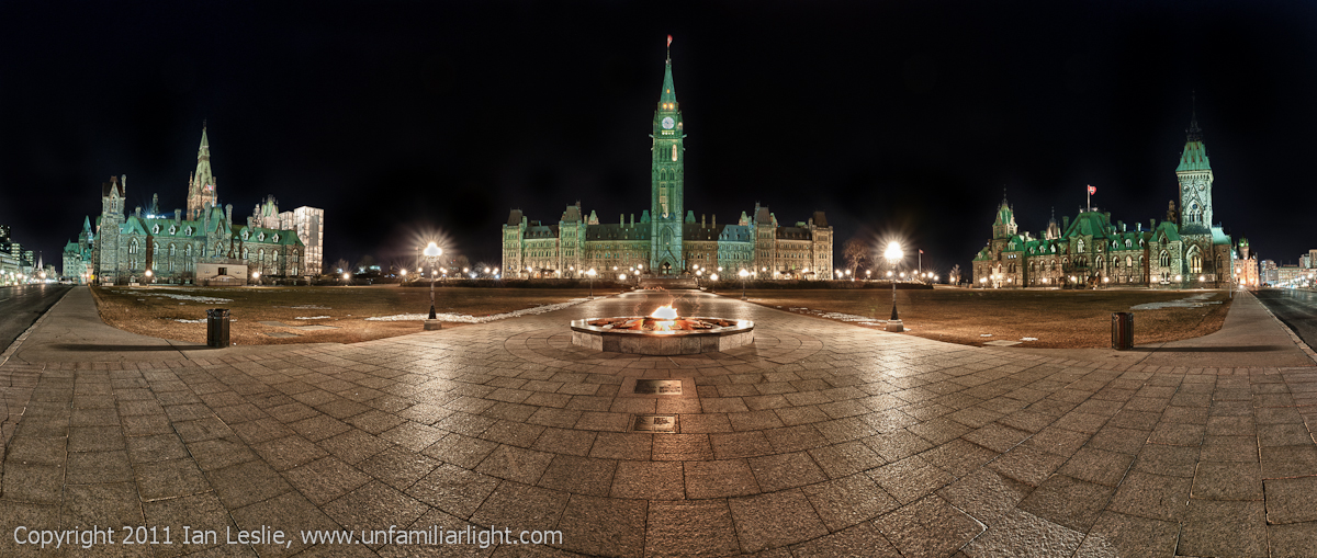 Parlement Hill at night